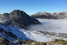 mountain walking wales snowdonia00027