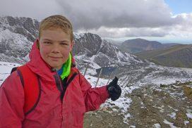 mountain walking wales snowdonia00116